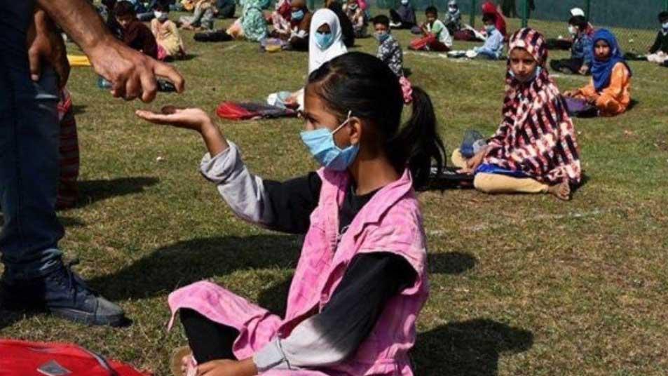 belle notizie: i bambini tornano a scuola nel kashmir