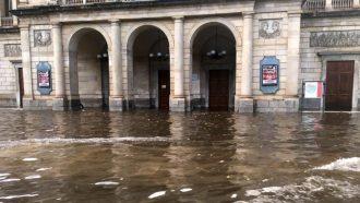 via Garibaldi e il teatro vittorio emanuele allagati dopo la bomba d'acqua dell'8 agosto a messina