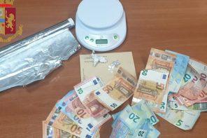 foto di contanti sequestrati per spaccio di droga a messina