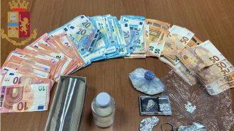 soldi sequestrati dopo un arresto per detenzione ai fini di spaccio di droga a messina