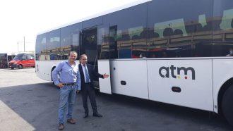 il sindaco di messina cateno de luca e il direttore generale di atm presentano il nuovo bus per la tratta pontegallo-cavallotti