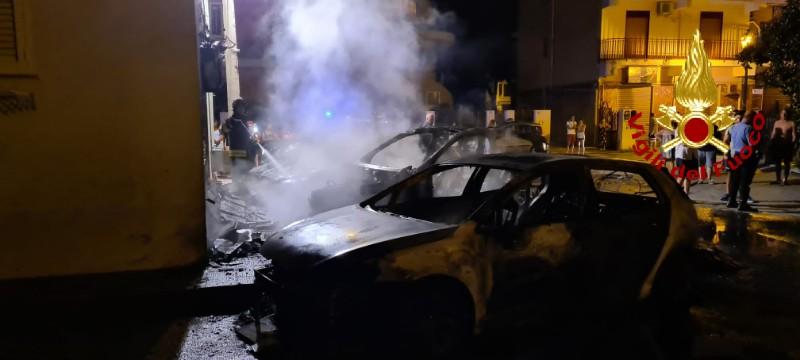 5 auto a fuoco a milazzo