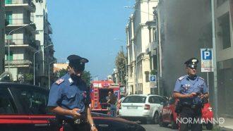 l'intervento dei vigili del fuoco per un incendio in un negozio di biciclette di messina, in via cesare battisti