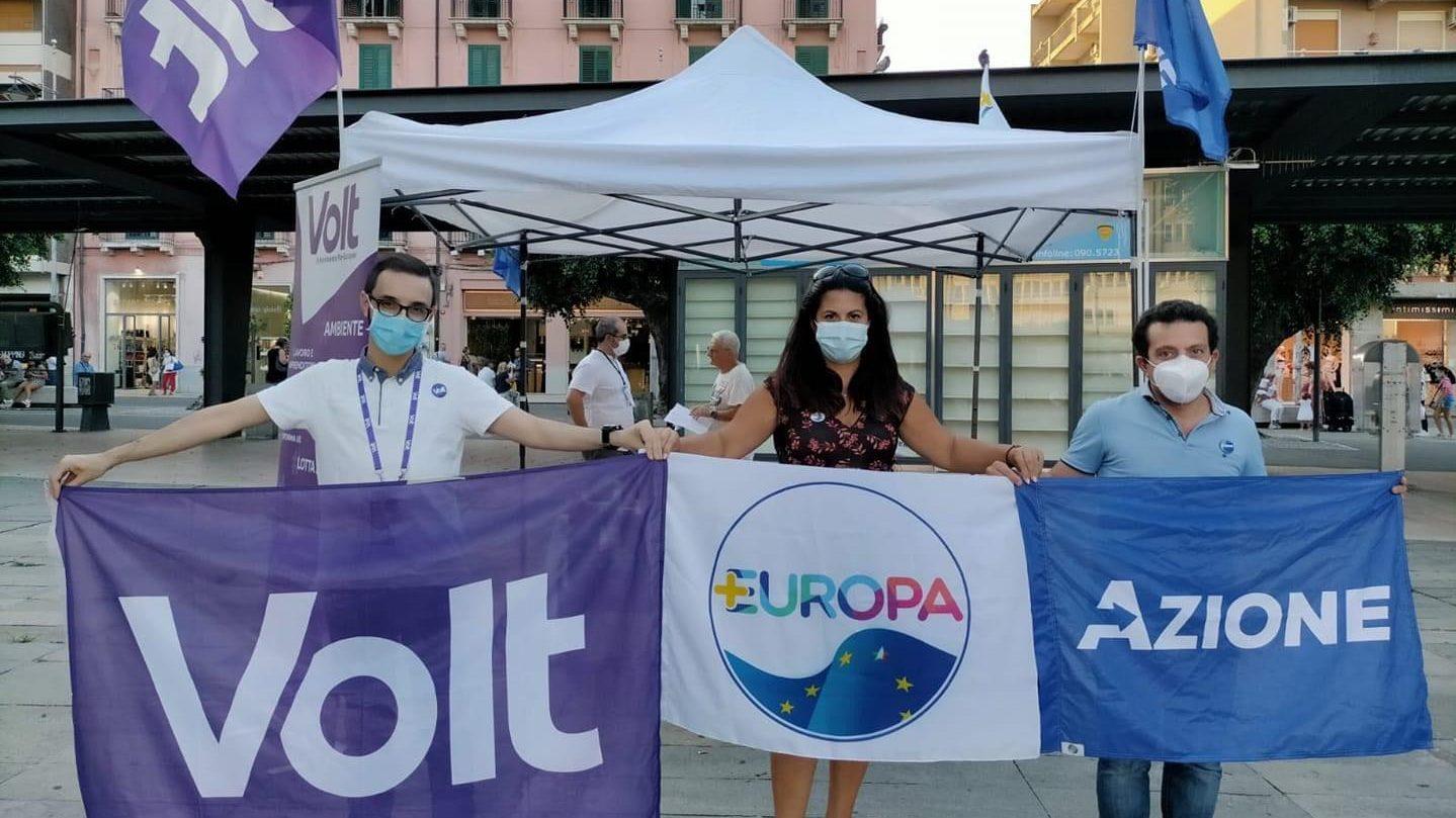 iniziative per il NO al referendum costituzionale di Volt e PiùEuropa a Messina