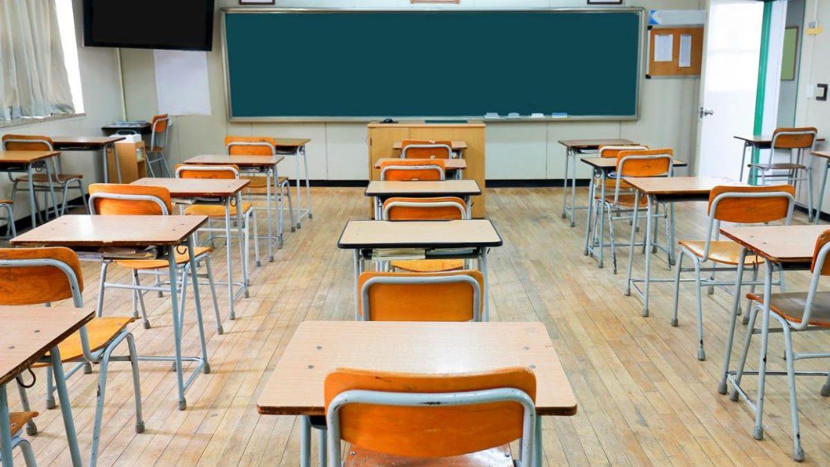 banchi monoposto a scuola per il coronavirus
