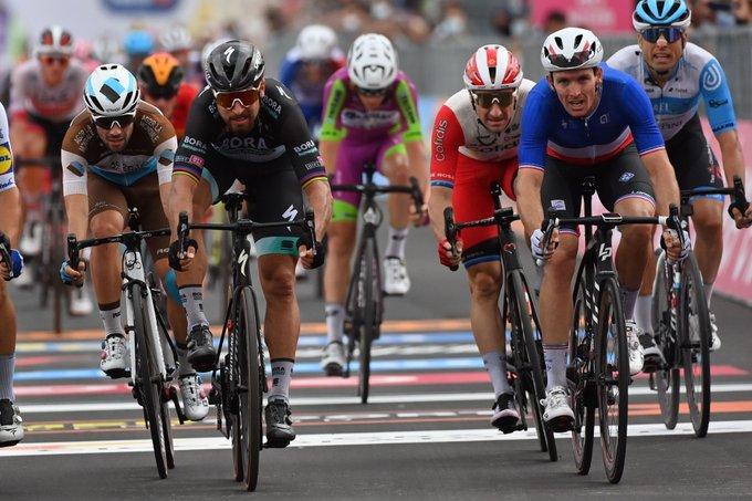 Giro d'Italia, la quarta tappa a Dèmare. Almeida maglia rosa