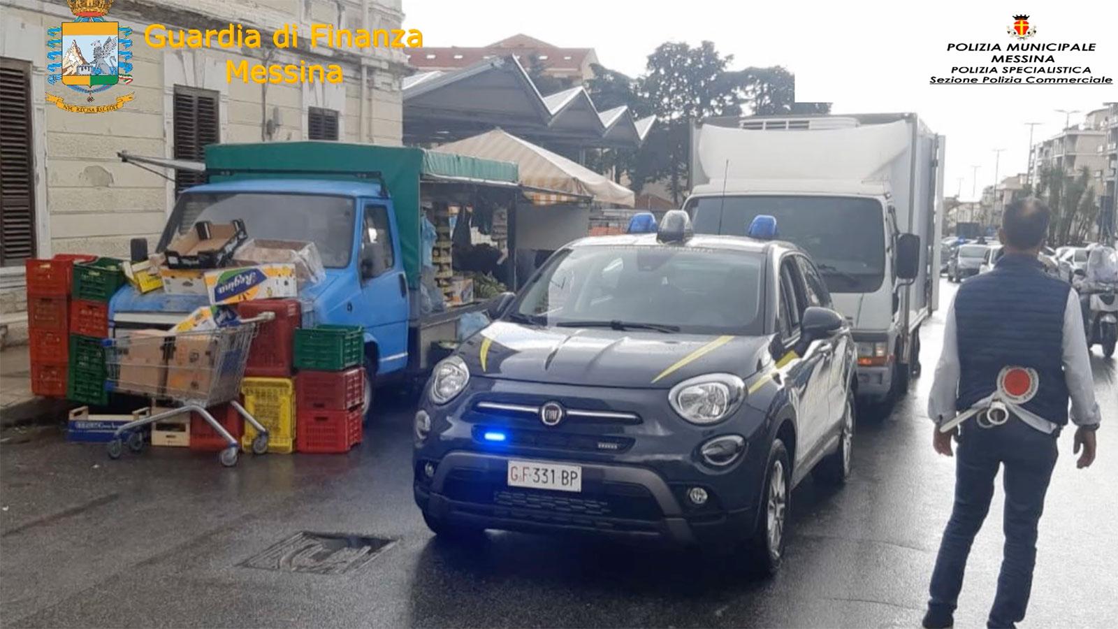 foto di un'auto della Guardia di Finanza sul viale europa durante i controlli contro l'ambulantato selvaggio
