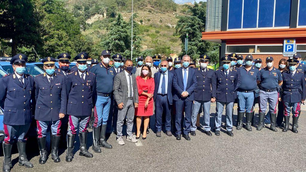 consegnate 22 nuove auto alla polizia stradale della sicilia
