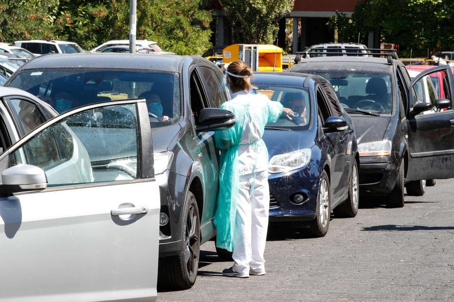 drive in tamponi per l'asp di messina al parcheggio dello stadio san filippo (franco scoglio)