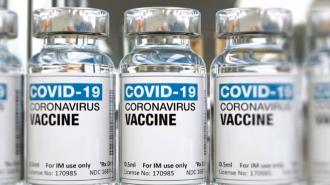 fiale del vaccino contro il coronavirus (vaccini anti-covid)