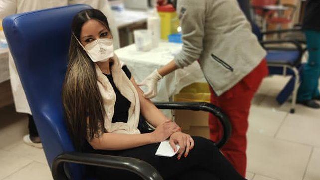 Covid, dottoressa positiva a sei giorni dal vaccino fatto a Palermo