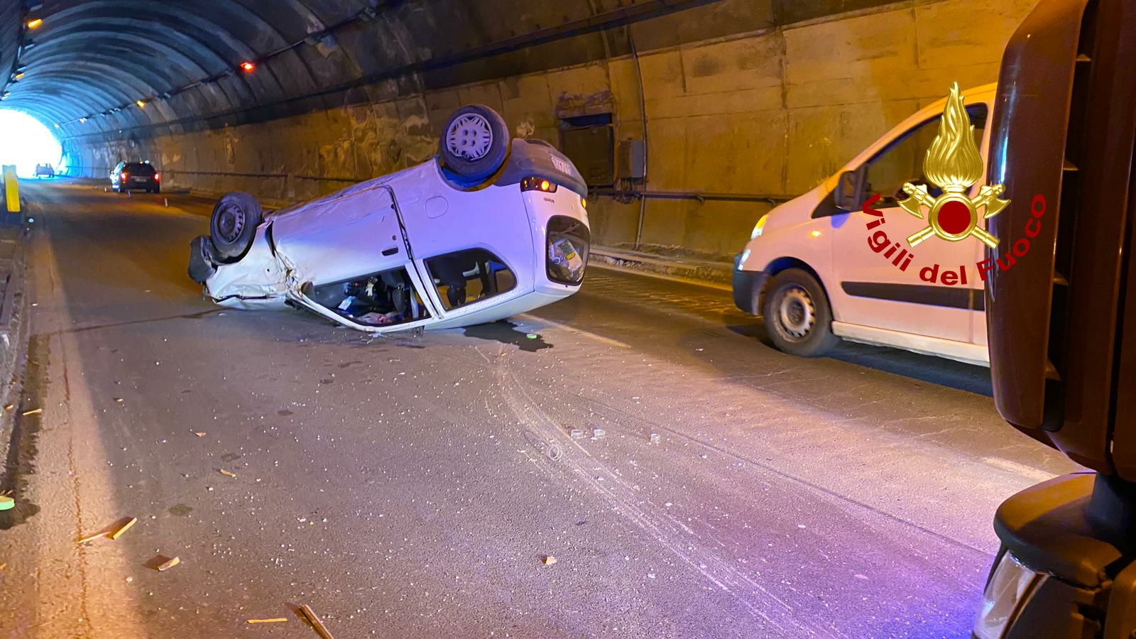 incidente in autostrada sulla messina palermo