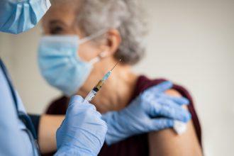 vaccini covid over 80