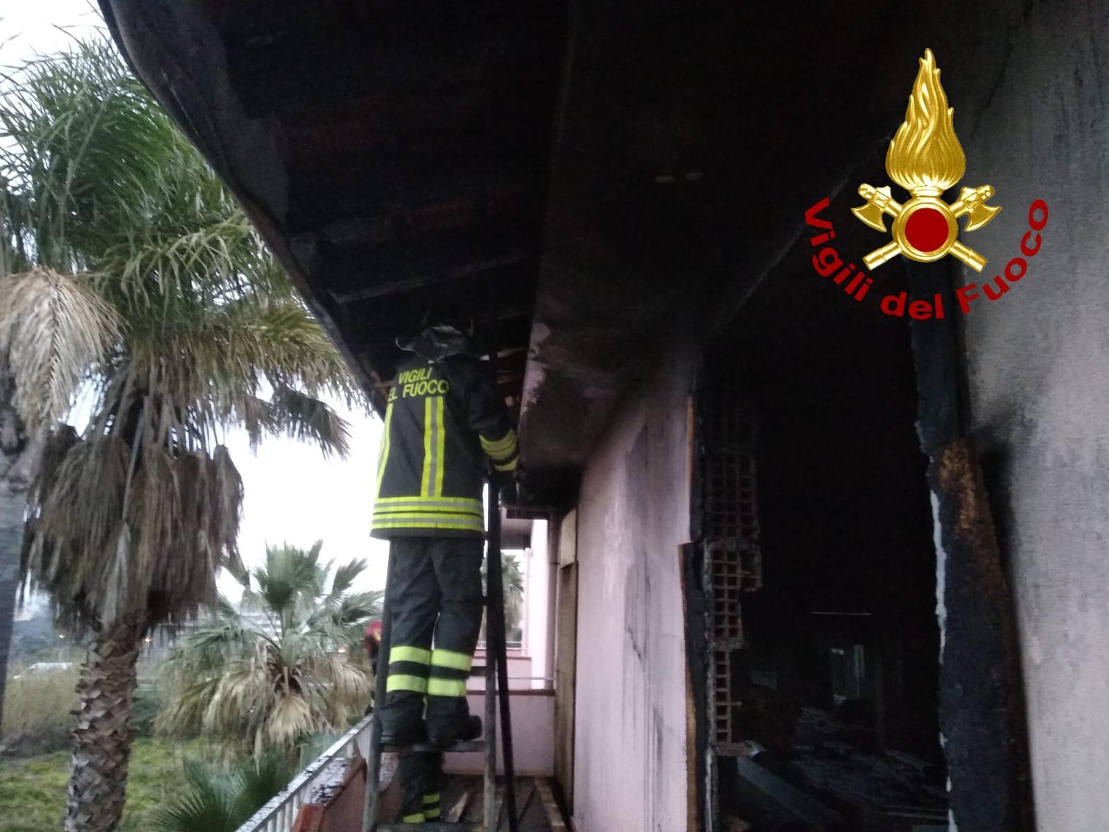 incendio in una villetta a barcellona