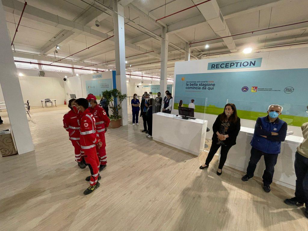 inaugurazione hub vaccini covid di taormina
