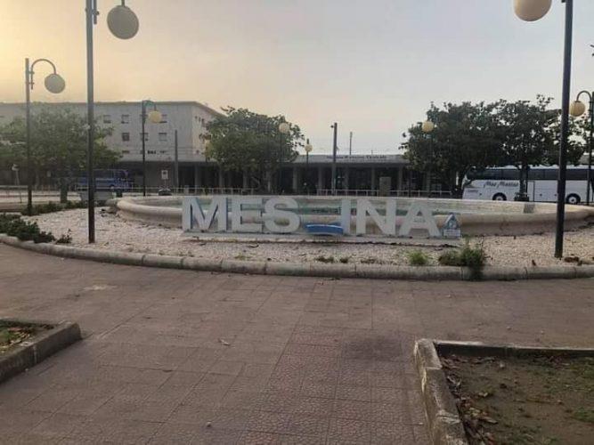 scritta messina alla stazione centrale
