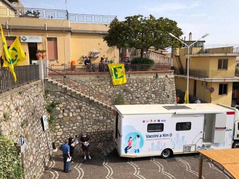 vaccini a chilometro zero, il camper anti-covid a Roccafiorita