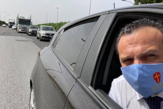 cateno de luca in autostrada