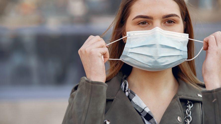 stop all'obbligo delle mascherine all'aperto