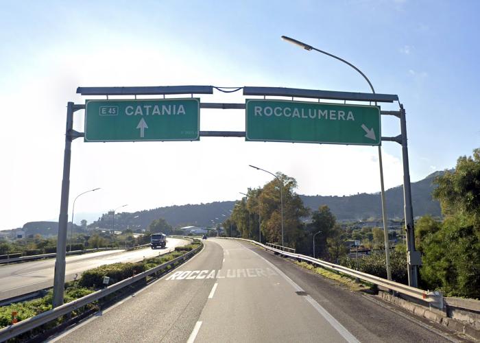 Svincolo di Roccalumera, autostrada a18 messina-catania