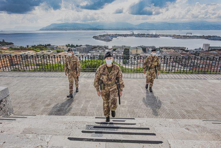 Operazione Strade Sicure nel centro storico di Messina: esercito