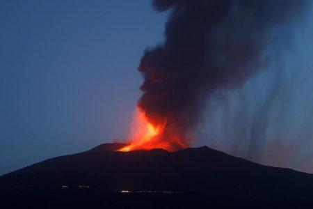 eruzione dell'etna