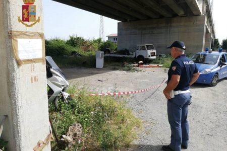 polizia ferroviaria sequestra discarica a barcellona pozzo di gotto