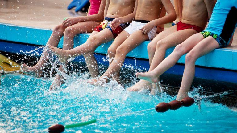 sport bambini piscina