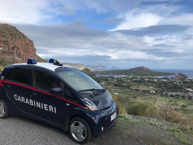carabinieri isole eolie vulcano