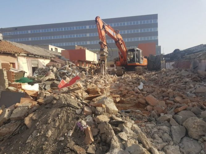 demolizione baracche di fondo saccà