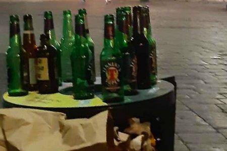 bottiglie di birra abbandonate al duomo di messina