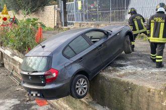 auto fuori strada: incidente giardini naxos