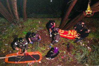 vigili del fuoco di messina soccorrono ragazza caduta da un muro di 5 metri a tremonti